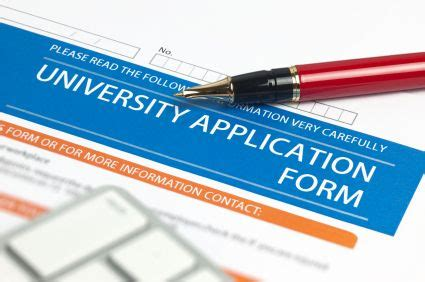 Writing the Successful College Application Essay LiveCareer